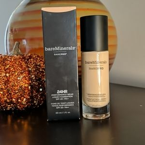 BareMinerals BarePro Liquid Foundation Aspen 04